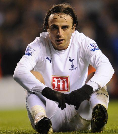 Dimitar Berbatov misses golden chance. Tottenham Hotspurs v Chel
